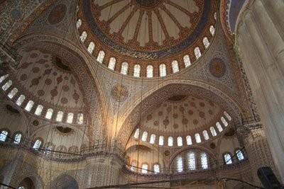 interior_masjid_biru_turki_14